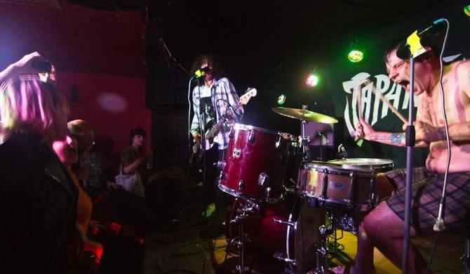 Concierto de Japanther en el Sidecar de Barcelona. Photos by Frederic Navarro