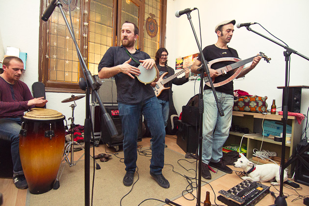 Concierto de Yacine & The Oriental Groove en La Llançadora Sabadell. Photos by Frederic Navarro